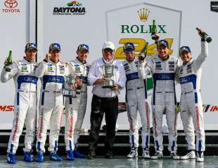 FORD GT WINS BACK-TO-BACK ROLEX 24 RACES
